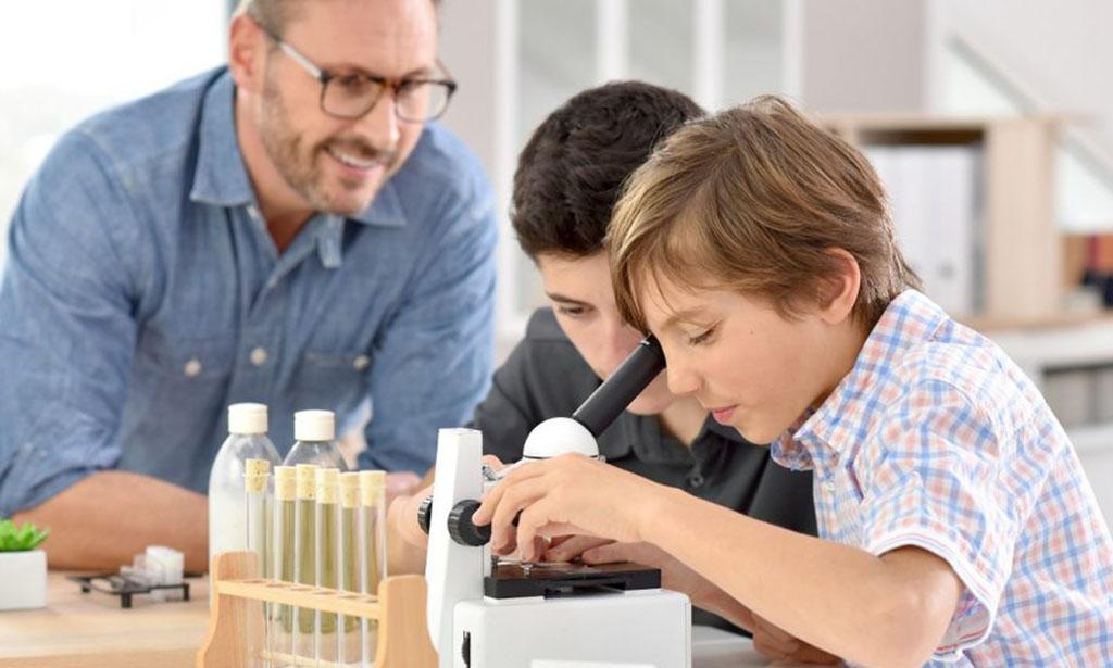 Primary school science experiment