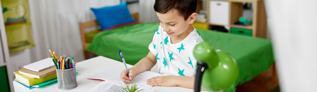 Homeschooling 3-5th Grade, Ages 8 to 10: What's the Best Approach to School?